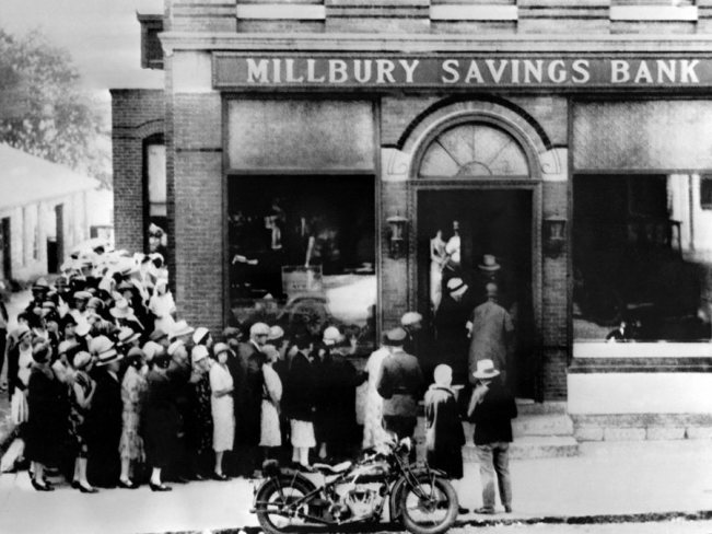 the-crash-in-new-york-started-a-run-on-banks-around-the-country-heres-a-line-of-people-waiting-to-get-their-cash