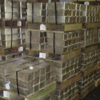 How many Silver Bars are in the LBMA Vaults in London?